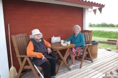 03_Aru ja Aukemäe vanaprouad kohvikus